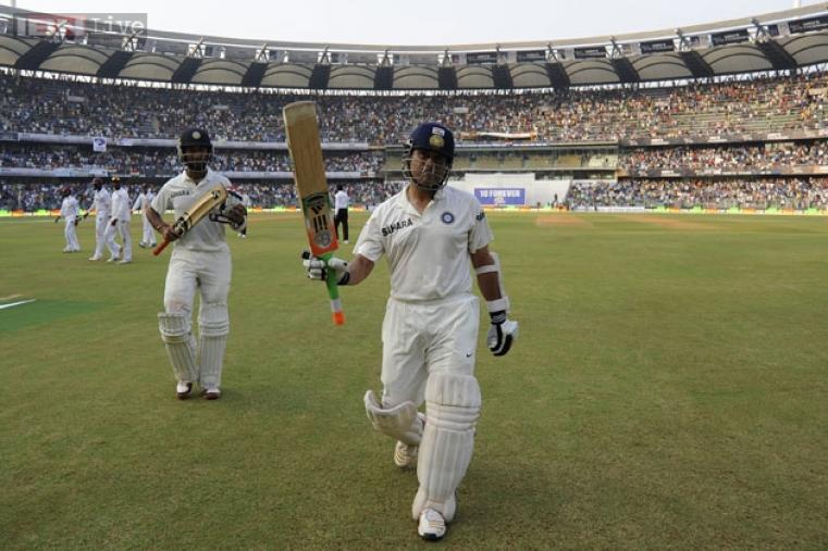 Day 2 was nicely set up with Sachin still there in the middle, eyeing yet another landmark.