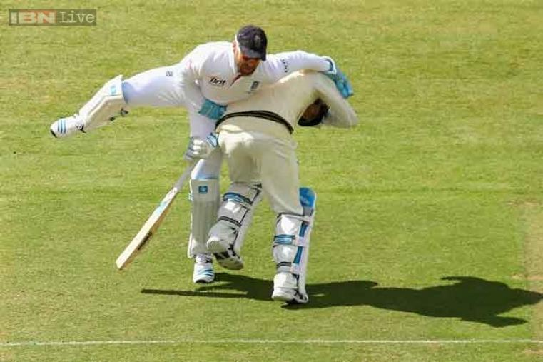 Matt Prior and Michael Clarke run into each other during day one of second Test.