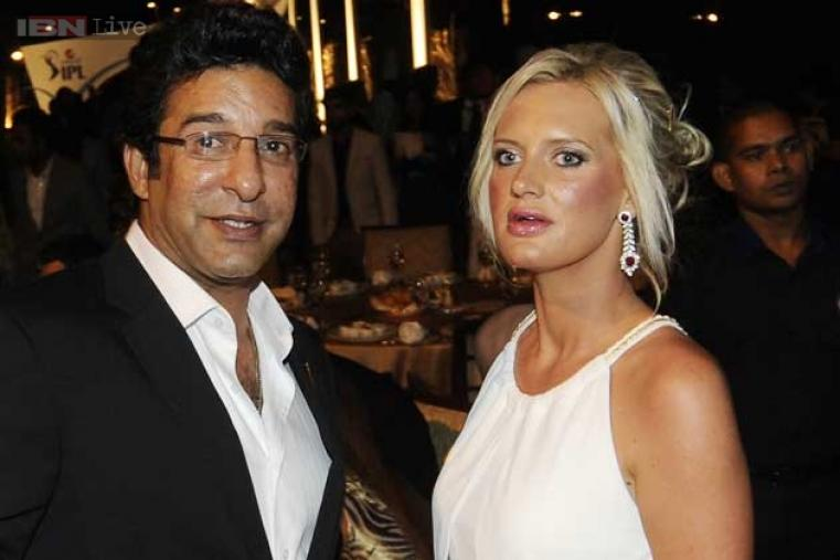 Kolkata Knight Riders bowling coach Wasim Akram with his wife Shaniera Thompson during the gala dinner.