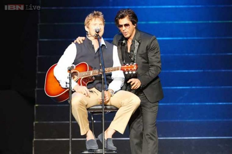 SRK made Rajasthan Royals captain Shane Watson sing and strum a guitar.