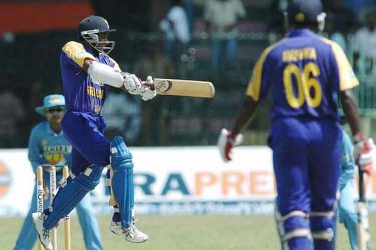 Sanath Jayasuriya scored 130 off 132 balls vs India in Colombo in 2004. India won by 4 runs. (Getty Images)