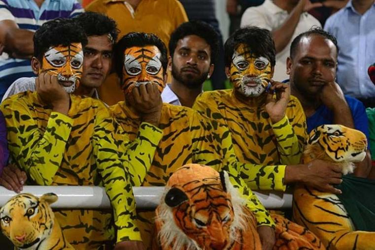 Bangladesh fans react after the defeat.(Photo Credit: Getty Images)