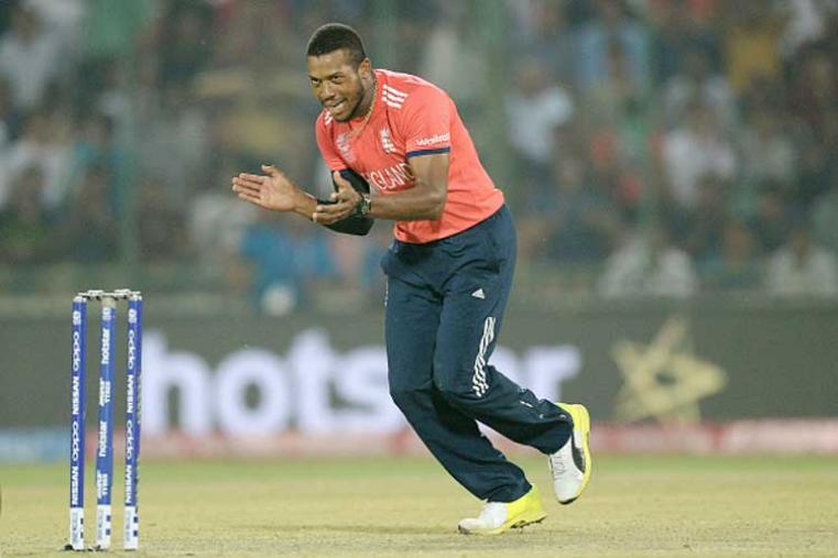 Eoin Morgan's England faced Angelo Mathew's Sri Lanka at the Firoz Shah Kotla. After winning the toss, Sri Lanka put England in to bat. A win was enough for England to secure their semi-finals berth and it was perfectly assured by their pacer Chris Jordan. (Photo Credit: Getty Images)