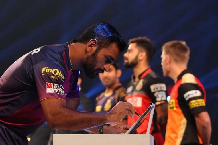 Rising Pune Supergians skipper MS Dhoni signs the MCC pledge. (BCCI)