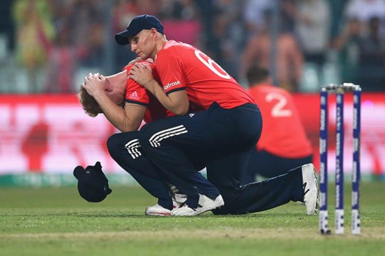 Ben Stokes looks dejected while Joe Root is trying to console him after the loss against West Indies in the final. (Getty Images)