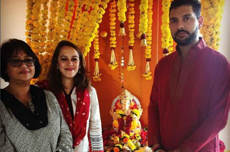Yuvraj Singh posted a picture on is instagram account along her lady love Hazel Keech and wished everyone a happy Ganesh Chaturthi. (Photo Credit: Yuvraj Singh/Instagram)
