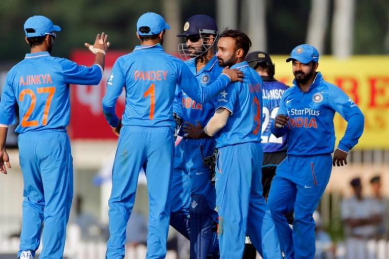 With two wickets, Amit Mishra was the pick of the bowlers as New Zealand posted a 261-run target for Team India in Ranchi. (AP)