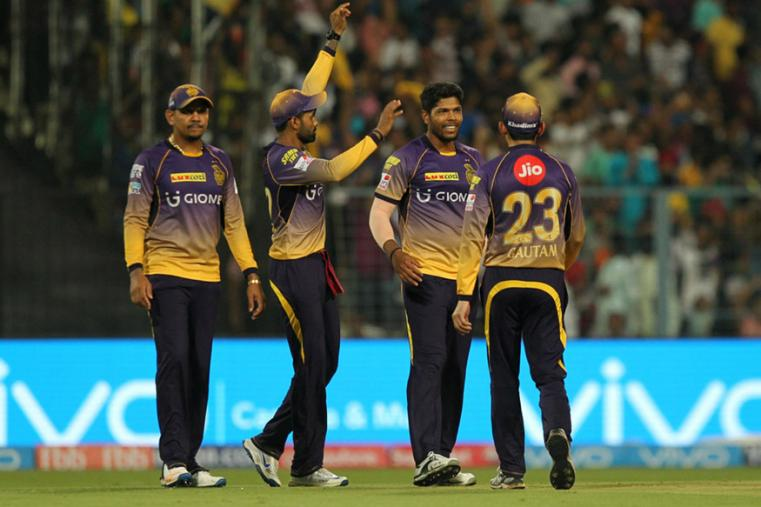Umesh Yadav celebrates with his teammates after taking a wicket against KXIP. (BCCI Photo)