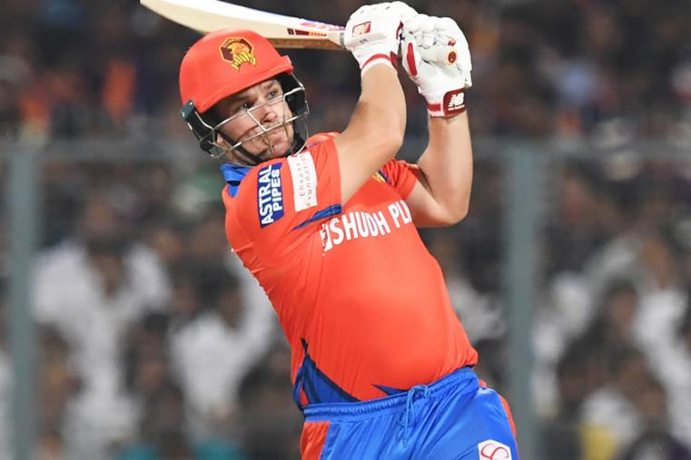 Chasing a challenging 188-run target after opting to bowl, Gujarat Lions were off to a brisk start, thanks to Aaron Finch (31 off 15 balls) and Brendon McCullum (33 off 17) who stitched a quickfire 42-run opening stand that came off just 21 balls. (BCCI Photo)