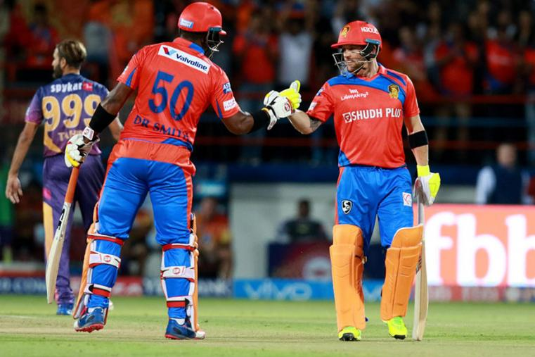 Brendon McCullum and Dwayne Smith put on a brilliant partnership against RPS. (BCCI Photo)