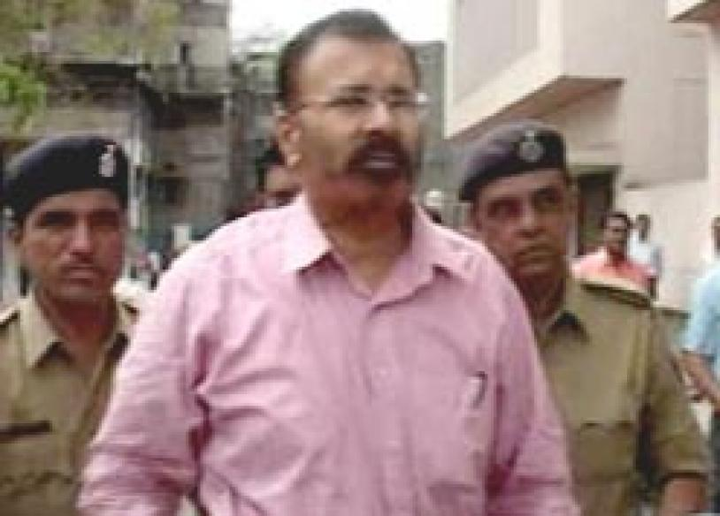 Vanzara admits to fake encounter