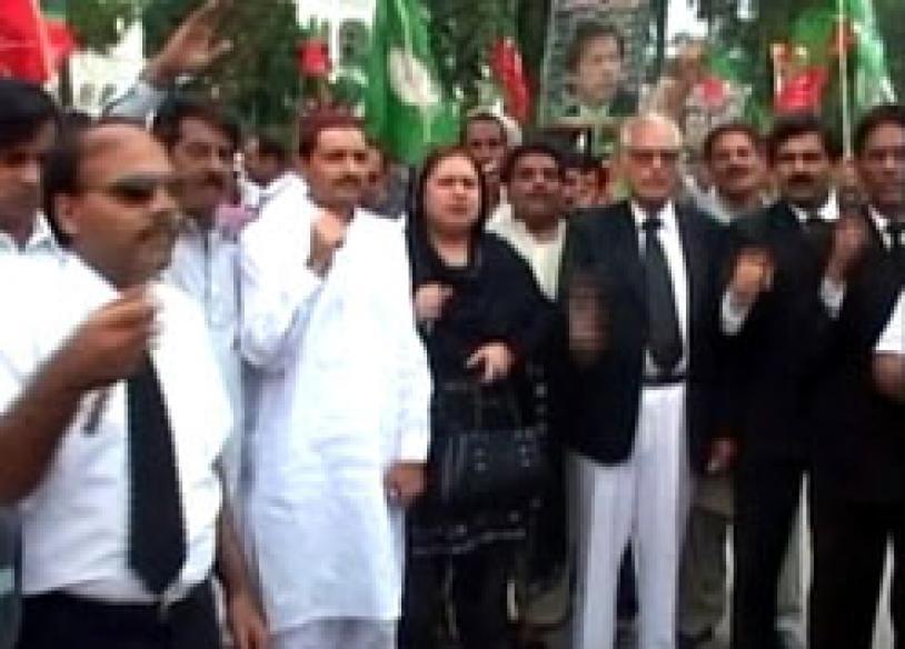 Mush cracks down on, jails Nawaz supporters