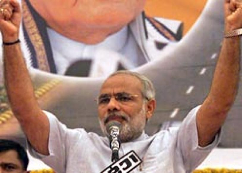 IBNLive Chat: 'Authoritarian streak, but Modi delivers'