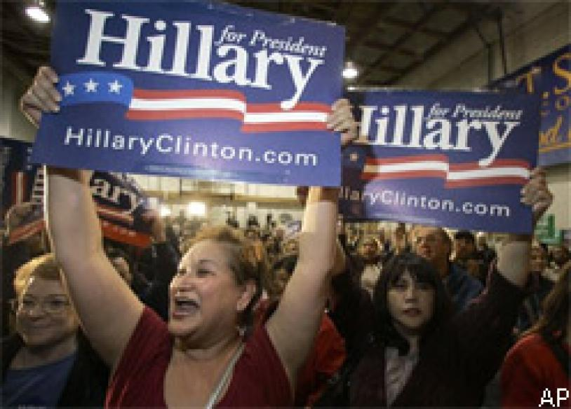 Hillary leads Obama after Super Tuesday | <a href='http://www.news18.com/news/what-next-in-us-polls-hillary-obama-have-6-states-ahead/58305-2-7.html'>What next in US polls</a>