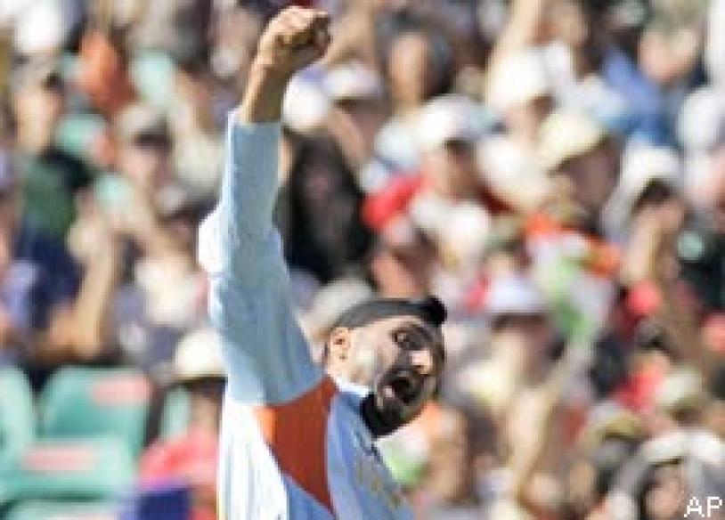 Aussie paper says Bhajji made 'monkey gesture'