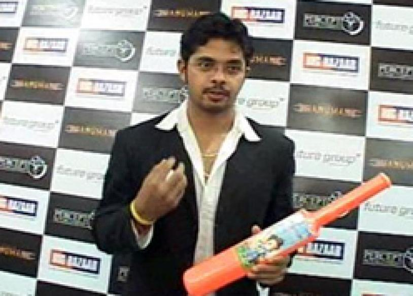 Umpire suspended for revealing Sreesanth's antics