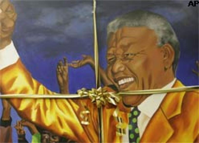 Mandela turns 90, speaks out for the poor