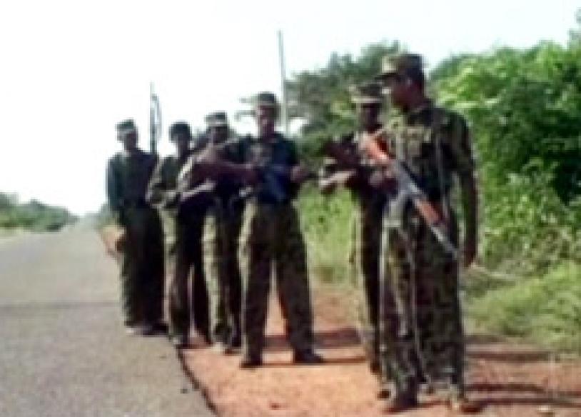 LTTE attacks Sri Lanka's eastern port city naval base