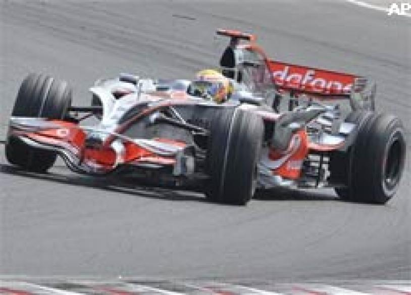 Hamilton takes pole at Hungarian Grand Prix