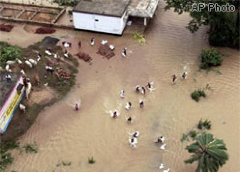 Flood fury in India; 163 killed</a> | In Pics: <a href='http://www.news18.com/photogallery/974.html'>Orissa deluged</a>