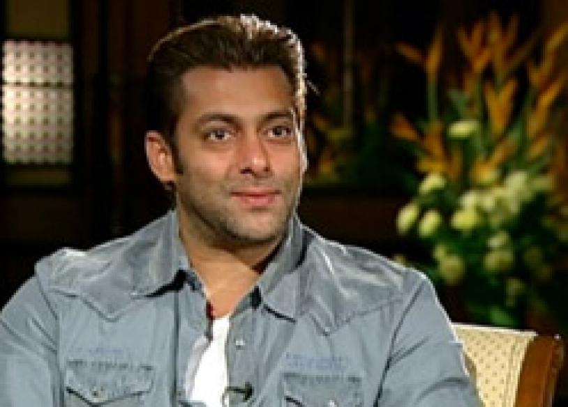 Salman's father fumes against fatwa, warned again
