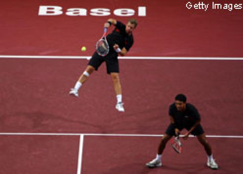 Bhupathi-Knowles enter Swiss Indoors final