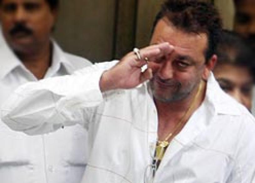 I want to contest elections, serve: Sanjay Dutt
