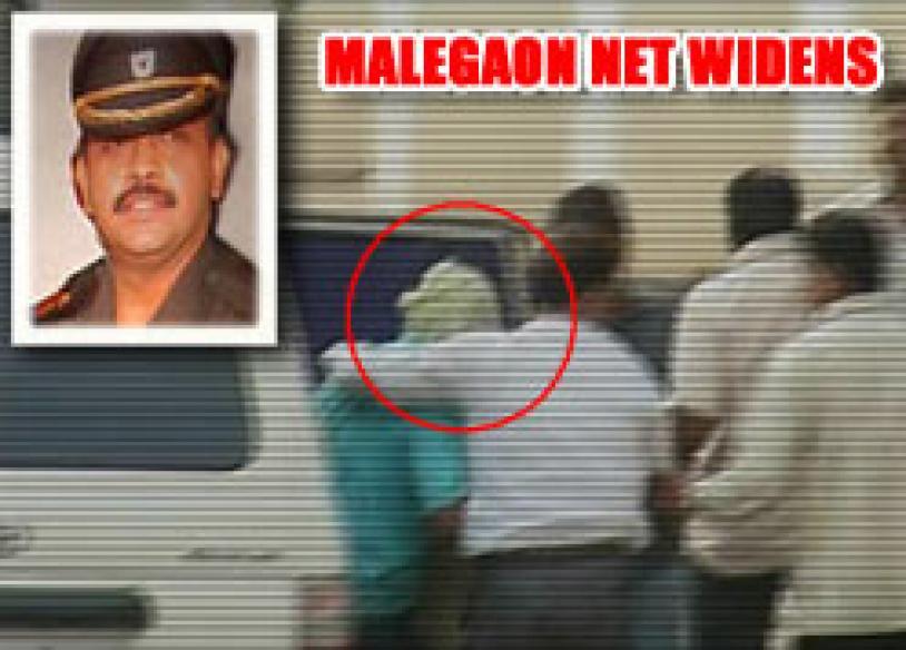 ATS links Lt Col Purohit with Samjhauta blasts