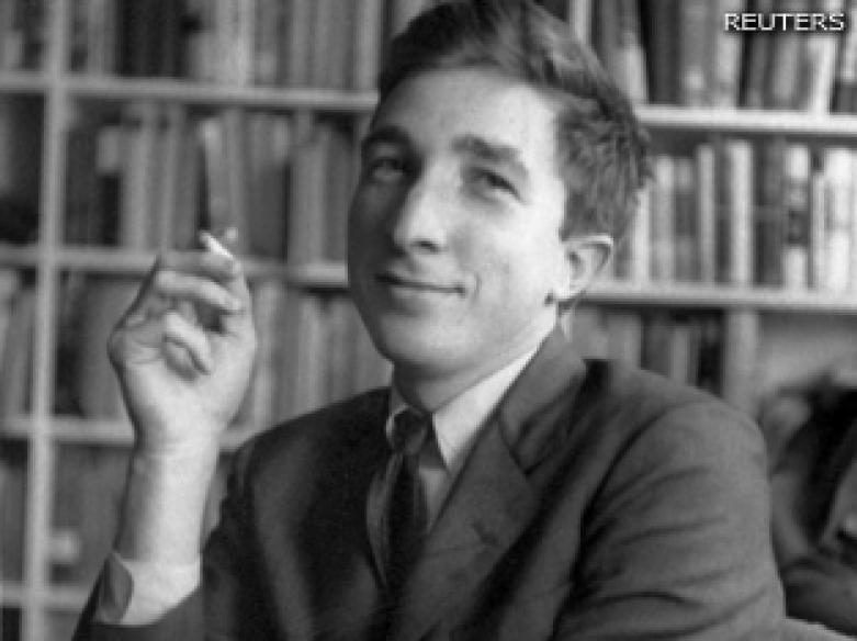 Prolific author John Updike dies of cancer at 76