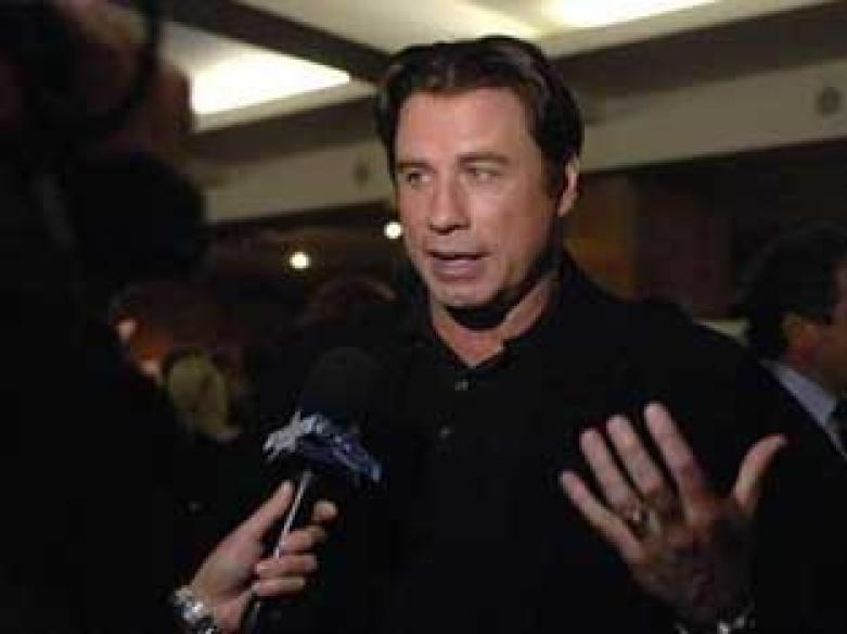 Police detain 3 in attempted Travolta extortion