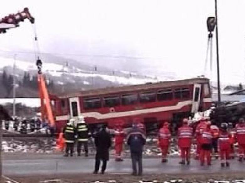 Freak accident kills 13, national mourning in Slovakia