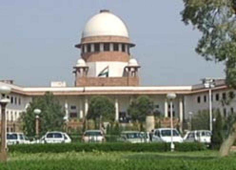 Slipper thrown in Supreme Court, judge ducks