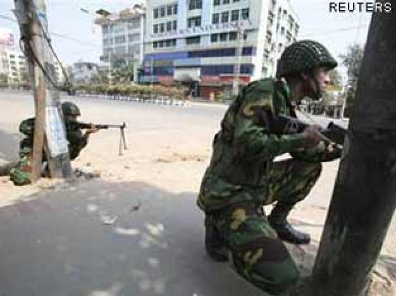 Islamists blame India for Bangladesh mutiny
