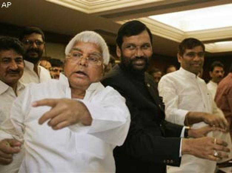 Sulk now but you need me later: Lalu tells Sonia