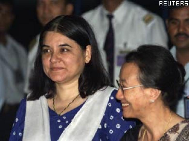 Maneka Gandhi charged with violating poll code