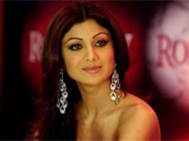 Shilpa Shetty in talks to join <i>EastEnders</i>