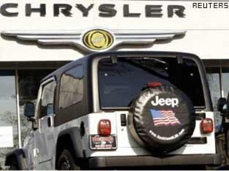 Chrysler files for bankruptcy   <a href='http://ibnlive.in.com/news/chrysler-ceo-says-hell-quit-after-bankruptcy/91505-7.html'>CEO to quit</a>