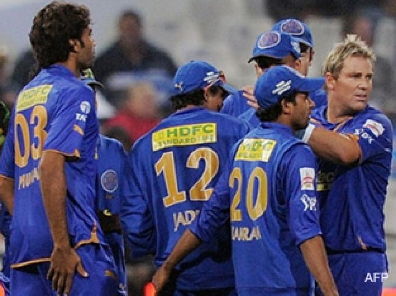 <a href='http://cricketnext.in.com/news/rajasthan-royals-decide-to-field/40439-27.html'>IPL: Super Kings thrash Royals by 38 runs</a> | <a href='http://cricketnext.in.com/scorecard/match/full/213874.html'>Score</a> | <a href='http://cricketnext.in.com/slideshow/g612/view.html'>Pics</a>