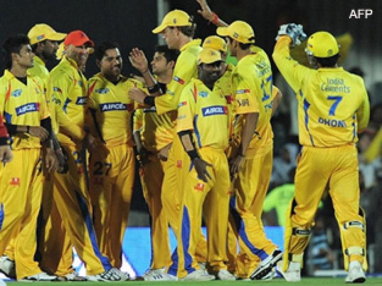 <a href='http://cricketnext.in.com/news/bailey-falls-after-chennais-quick-start/41024-27.html'>IPL: Chennai sail, dent Punjab's semis hopes</a> | <a href='http://cricketnext.in.com/scorecard/match/full/ckkp2005.html'>Score</a> | <a href='http://cricketnext.in.com/slideshow/g647/view.html'>Pics</a>