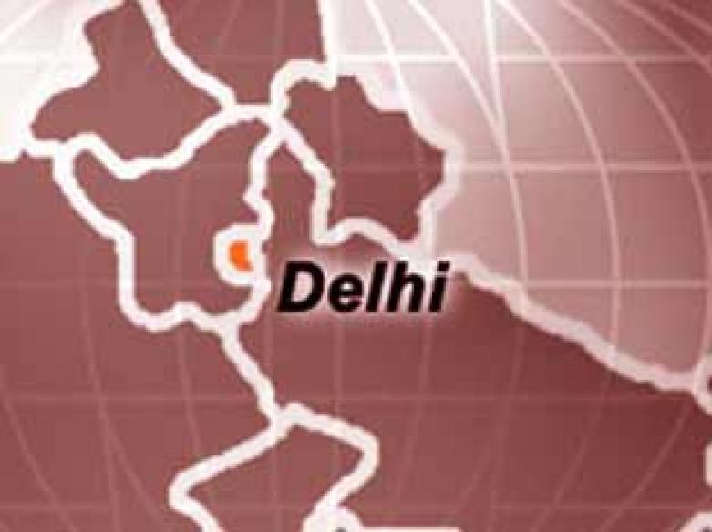 Delhi sizzles at over 44 degrees Celsius