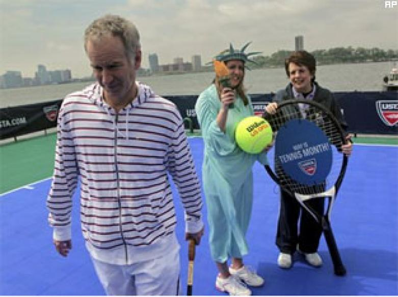 King, McEnroe play tennis on floating court