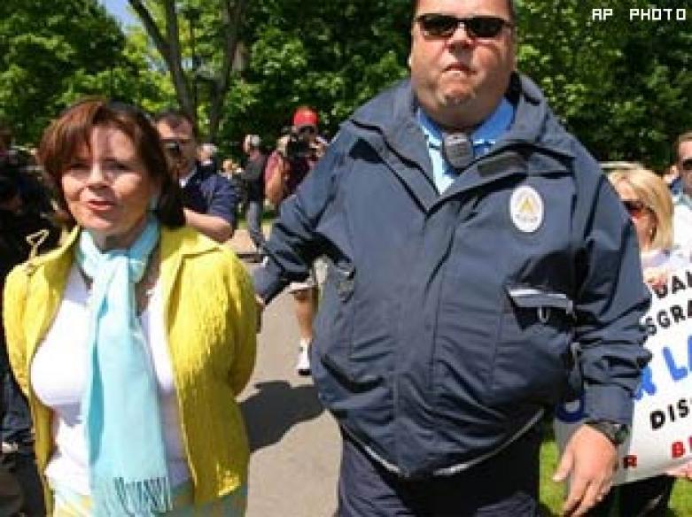 40 arrested for protesting against Obama