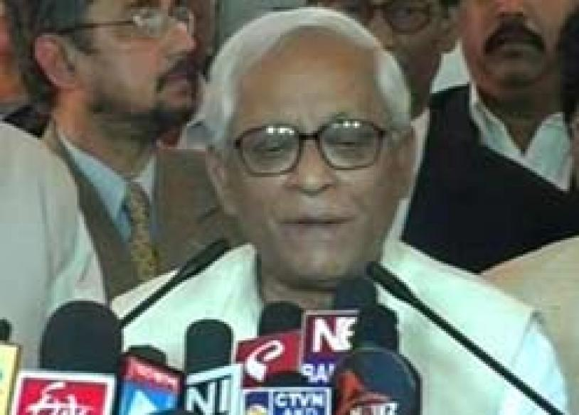 Stormed: Cyclone survivors heckle, jeer Buddhadeb