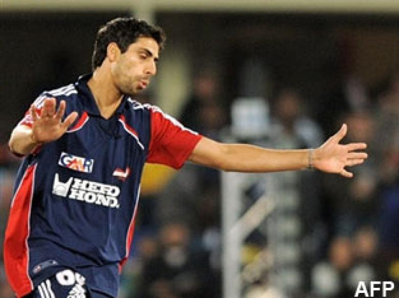 <a href='http://cricketnext.in.com/news/nehra-returns-india-retain-most-of-t20-squad/41807-13.html'>Ashish Nehra returns to India squad for West Indies tour</a>