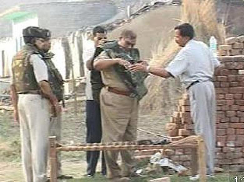 500 cops kill one dacoit after 3-day shootout