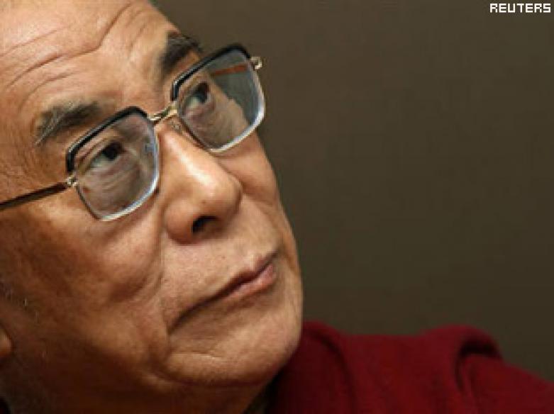 Dalai Lama urges Tibetans to elect their leader