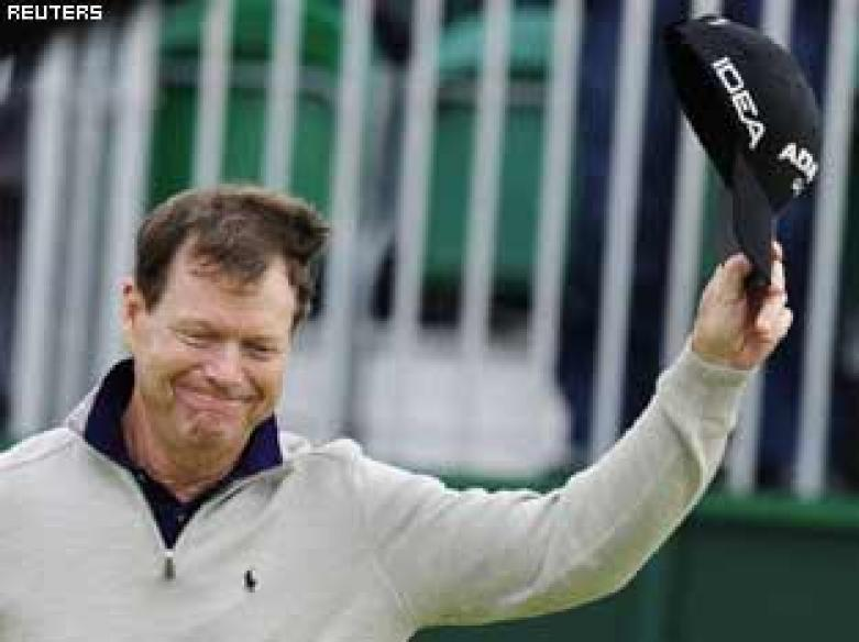 Watson defies age to stay in lead at Turnberry