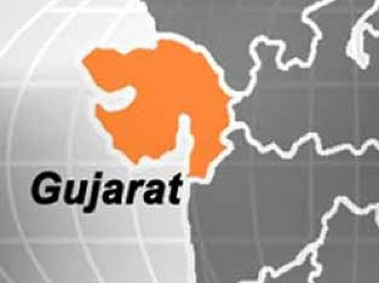 4 charred to death after BMW rams into truck in Guj