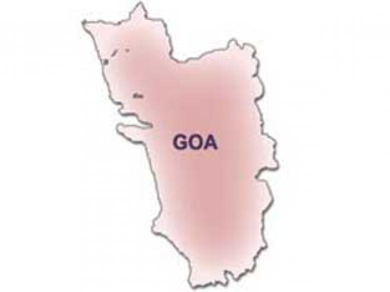 Goa minister beats up guards, makes them kneel
