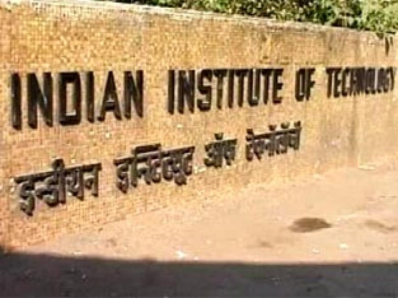 Sibal to meet IIT faculty to end stand-off over pay hike